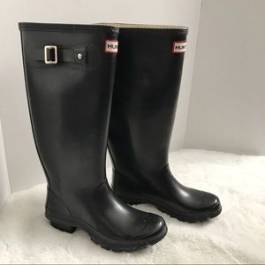 Hunter Black Huntress Rain Boots US 4M/5F